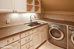 mediterranean-laundry-room