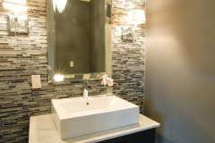 horizontal-tile-design-idea-for-bathroom