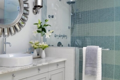 FLSRA204FL_main-bathroom-Crop_jpg_rend_hgtvcom_616_462